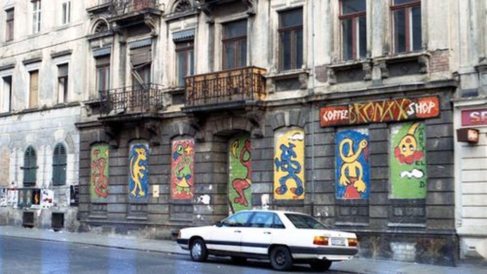 zugemauertes Café Bronxx 1991