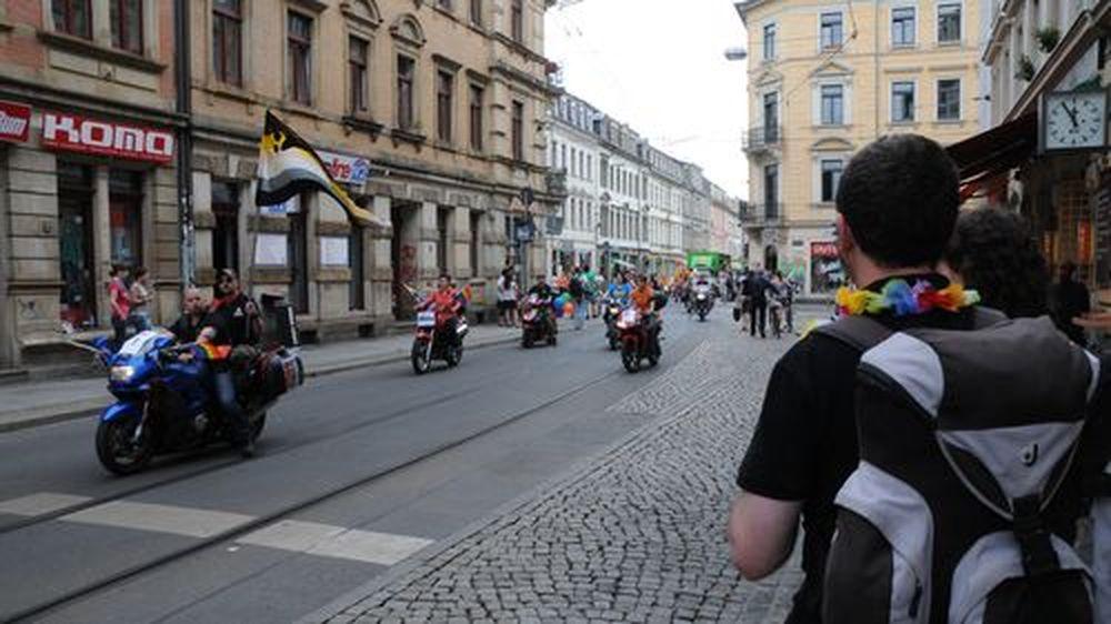 Umzug anlässlich des CSD durch die Neustadt