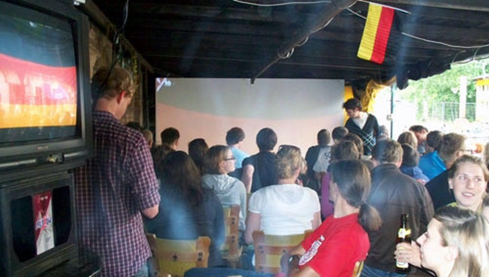Public Viewing in Achim sein Trödelhof