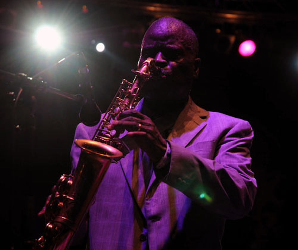 Maceo Parker auf der Filmnchte-Bhne. Foto: Gehilfe Oph