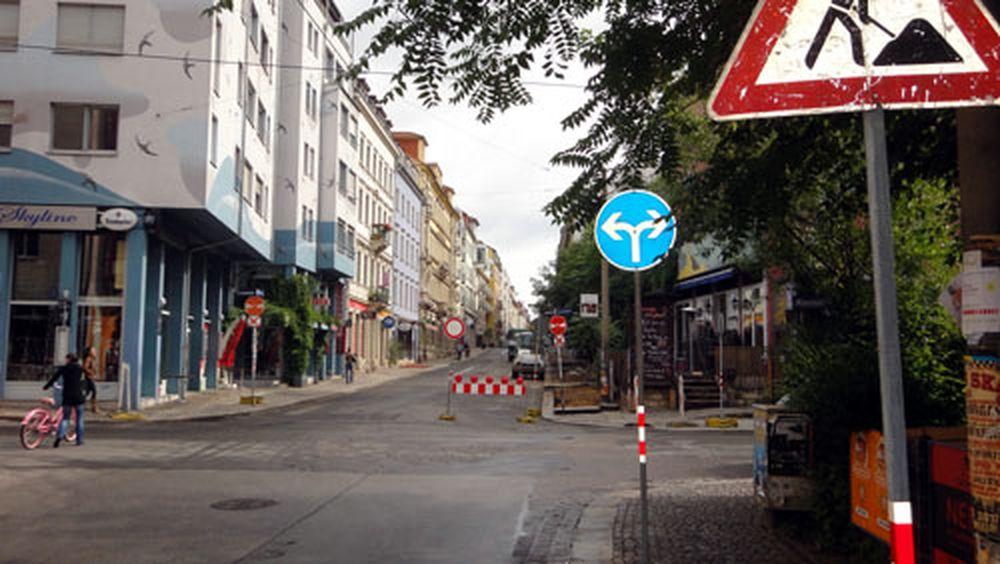 Schilderwald auf der Alaunstraße