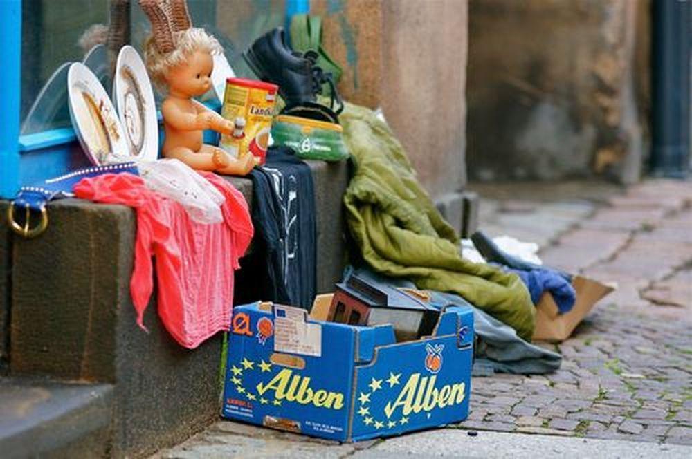 Spielzeug auf die Prießniztstraße gestellt. Foto: Marc McLovin